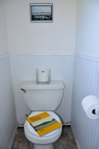 toilet office2